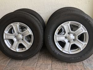 Jeep Wrangler 2019 wheels and tires Michelin LTX 245/75/17 for Sale in Hialeah, FL