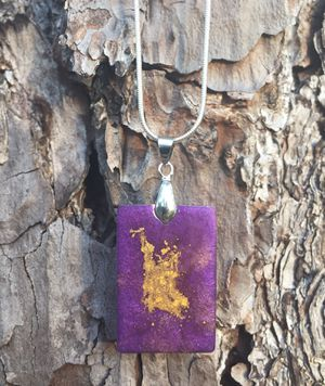 Beautiful Resin Pendant Necklace- Brand New for Sale in Hudson, FL
