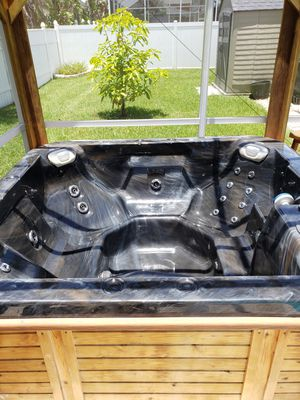 Hot tub with gazebo and cover for Sale in Riverview, FL