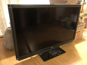 Sharp Aquos 52 inch HD TV for Sale in Los Angeles, CA