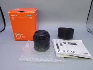 Sony 35mm f1.8 oss E mount for Sale in Glendale Heights, IL