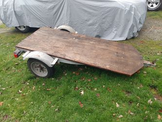 Trailer 4x8ft All Of The Wiring Is In Working Condition Has A Spare Tire That Comes With It As Well Asking $125 Or Best Offer for Sale in Lynnwood,  WA