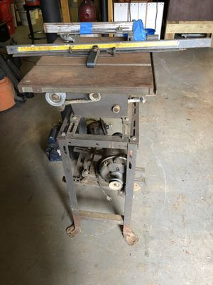 Table saw antique for Sale in Douglasville, GA