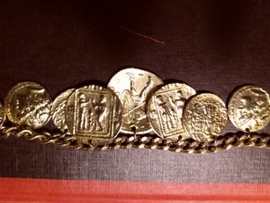 Gold Roman Chain with Medallions (no stamp) no for Sale in Augusta, GA