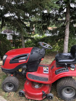 Craftsman T4000 lawn tractor low hours, runs cuts, but bad tranny or? for Sale in Moon Township, PA