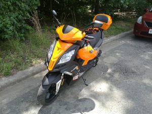 150CC Gator scooter moped 560 miles for Sale in Richmond, VA