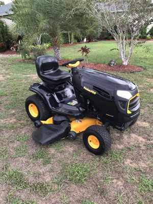 LIKE NEW 2016 POULAN PRO TRACTOR 48 INCH RIDING LAWN MOWER for Sale in Clermont, FL