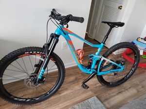 Giant anthem 2018 size Small mountain bike for Sale in Perth Amboy, NJ