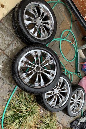 """22"""" chrome rims w/ decent tread Bridgestone dueller tires 285/45/22 for Sale in Vienna, VA"""