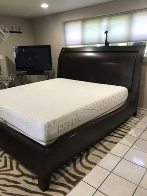 Gorgeous king bed frame+Purple memory foam mattress for Sale in Shoreline, WA