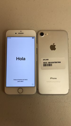 SALE: Unlocked iPhone 7 32gb Used Silver Excellent Condition for Sale in Pleasant Ridge, MI