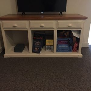 Tv stand / Shelf for Sale in Seattle, WA