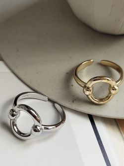 """Sterling/Platinum Plated """"O"""" Shape Ring for Sale in Mount Clare,  WV"""