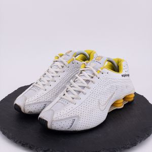 Nike Shox R4 Womens Shoes Size 10 for Sale in Omaha, NE