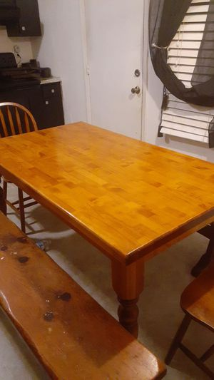 beautiful table. perfact condition. for Sale in Monroe Township, NJ