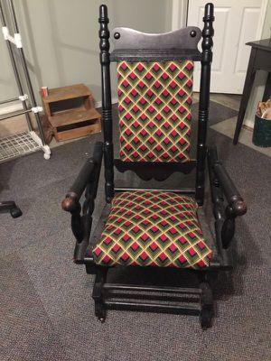 Wooden Rocking Chair for Sale in Nashville, TN