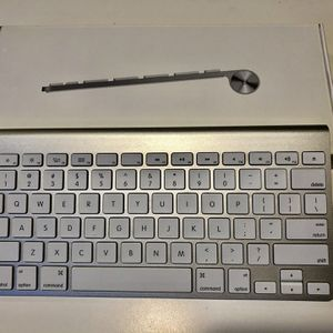 Apple Magic Keyboard 1 - Bluetooth - Wireless for Sale in Chicago, IL