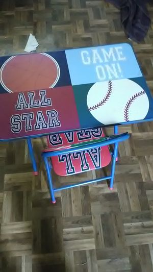 Kids desk top and chair for Sale in San Antonio, TX