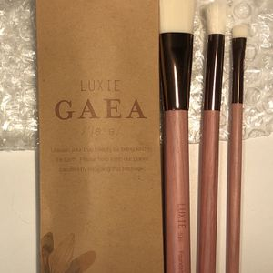 LUXIE Beauty BC 3 PIECE BRUSH SET-GAEA for Sale in South Pasadena, CA