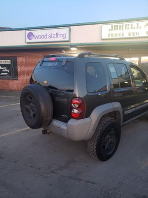 05 jeep liberty with 2.5 inch lift for Sale in PA, US