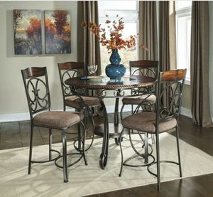 Ashley Brand Glambrey Brown 5-Piece Round Counter Height Set for Sale in Towson, MD