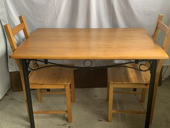 "Solid Wood , Three Piece Dinning Set !!! 30"" H 32"" W 46"" L for Sale in Vancouver,  WA"