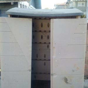Rubbermaid storage for Sale in Los Angeles, CA
