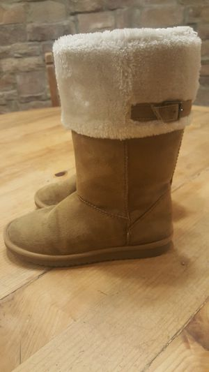 Womans boots size 4 for Sale in Chandler, AZ
