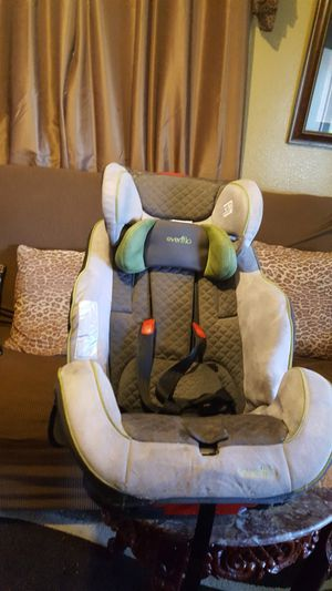 Evenflo car seat Reversible expire 2021 for Sale in Ontario, CA