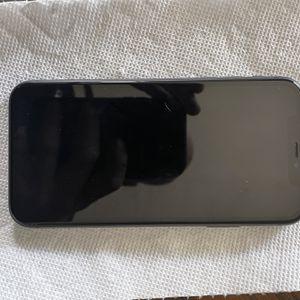 iPhone 11 for Sale in San Bernardino, CA