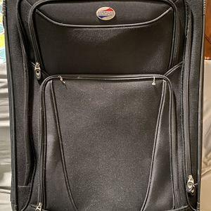 """30""""suitcase for Sale in Aurora, IL"""