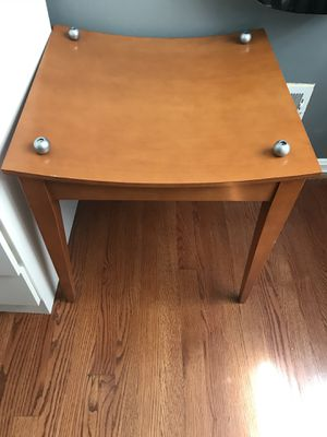 End table! Great condition for Sale in Manassas, VA