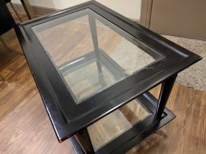 Coffee table worth $225 for Sale in Issaquah, WA