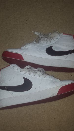 Nike shoes 5.5Y for Sale in Adelanto, CA