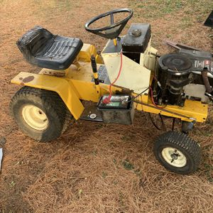 Cub Cadet 382 Project for Sale in Cary, IL