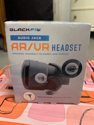 BlackFin AR/VR Headset w/ Headphones for Sale in Sanford, FL