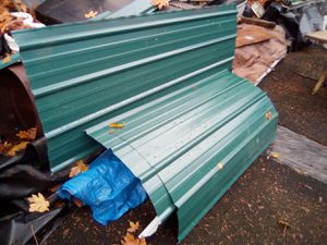 100Ft of Green Metal Roofing 3Ft wide for Sale in Tacoma, WA