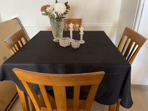 Dining table with 4 bar chairs, good condition, low price for Sale in Dallas, TX