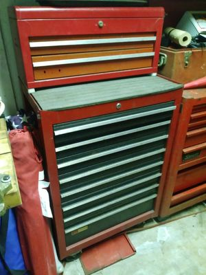 Craftsman tool box with removable top 11 drawers for Sale in Pembroke Pines, FL