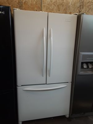 $599 KitchenAid white gloss finish French door fridge includes delivery in the San Fernando Valley a warranty and installation for Sale in Los Angeles, CA