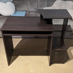 Small Assembled Desk for Sale in Portland,  OR