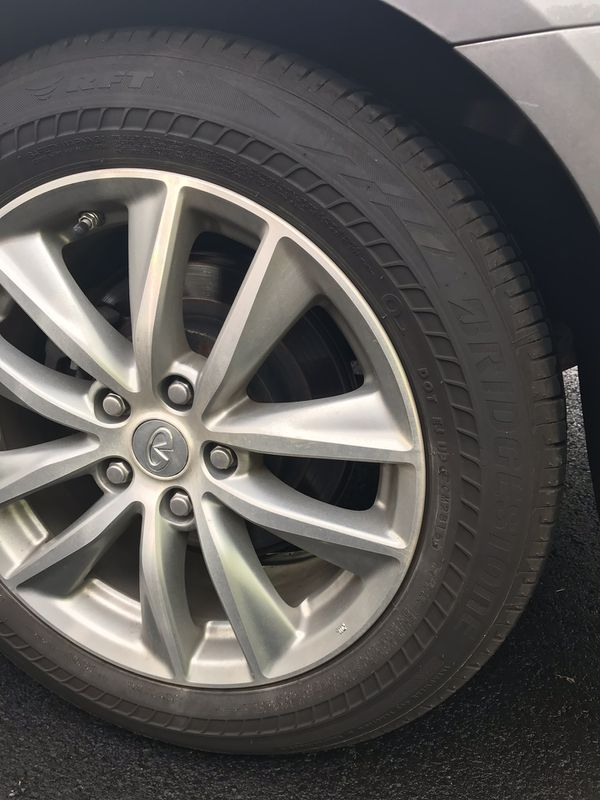 2014 Infiniti Q50 AWD (Excellent Condition)