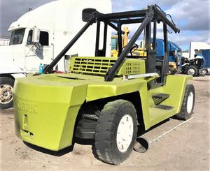 FORKLIFT CLARK C500 Y 350G 30K lbs for Sale in Miami, FL
