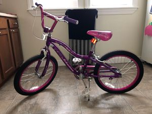 Kids Schwinn bike for Sale in Everett, MA