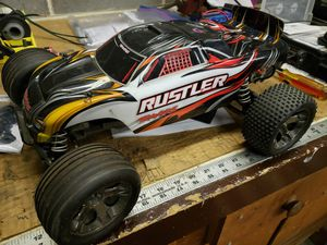 Traxxas Rustler Brushed 2.4 for Sale in Batavia, IL