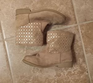 American Eagle Suede Ankle Boots w/ Gold Detailing Little Girls Sz.12½ for Sale in Addis, LA