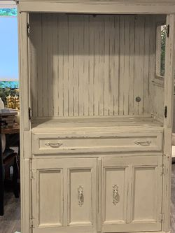 Vintage, Shabby Chic Hutch or TV Cabinet for Sale in Shoreline,  WA