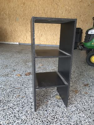 Black skinny 3 shelf unit for Sale in Groveland, IL