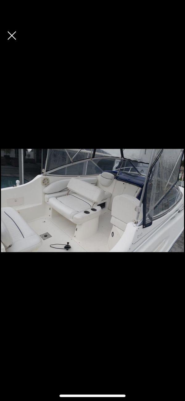 Boat Bayliner cierra 245 año 2005