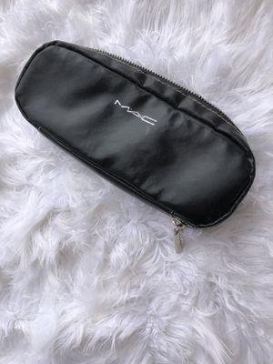 MAC Makeup pouch ✨ for Sale in Tucson, AZ